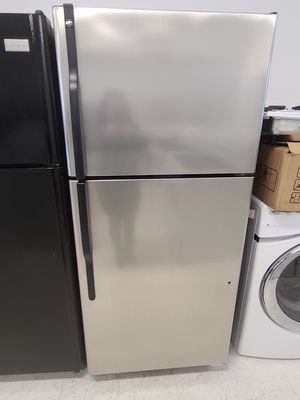 Ge stainless steel top freezer refrigerator used good condition with 90day's warranty for Sale in Hyattsville, MD