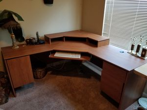 Computer desk good shape / with office chair for Sale in St. Peters, MO