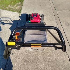 """Honda HRX217 Hydrostatic (21"""") ( commercial competitive ) ( Self propelled ) ( Twin blades ) lawn mower ( ready to mow ) for Sale in Anaheim, CA"""
