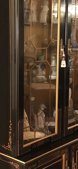 Curio Cabinet for Sale in Spring Valley,  NY