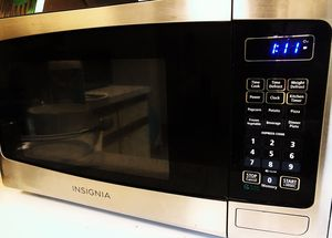 Insignia 0.9Cu.Ft stainless microwave for Sale in Ithaca, NY