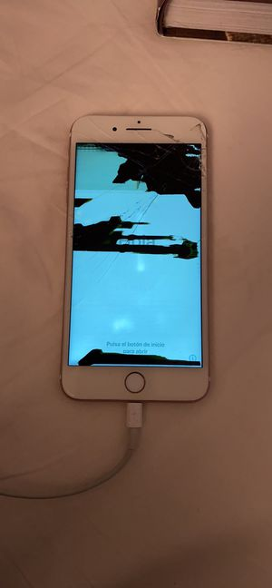 iPhone 8 Plus for Sale in Canyon Country, CA