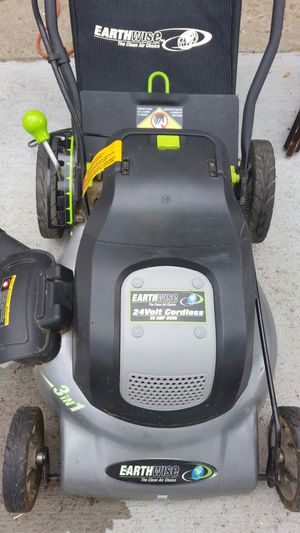 BATTERY OPERATED LAWNMOWER for Sale in St. Louis, MO