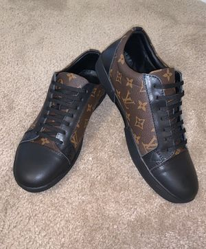 Louis Vuitton - Sneakers // US Size 11 for Sale in Arlington, TX