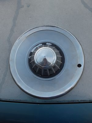 """14"""" 1963 plymouth hubcap for Sale in Merrillville, IN"""