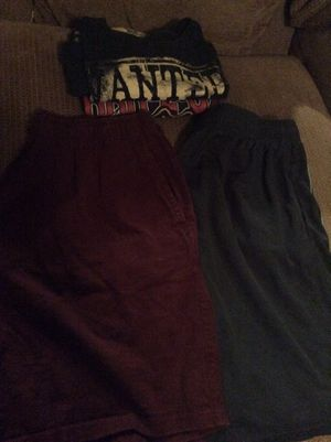 FREE men's sz Large 2 athletic shorts & 2 t-shirts for Sale in San Antonio, TX