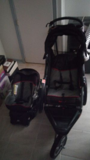 Graco Car seat and stroler combo for Sale in Philadelphia, PA