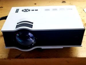 HD projector with hdmi and sound , for Sale in Andover, MN