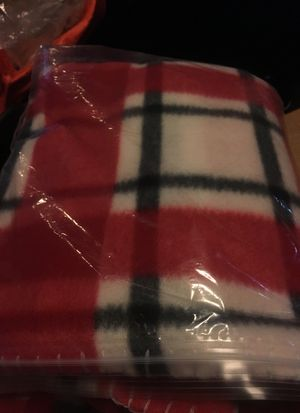 One throw blanket for Sale in North Las Vegas, NV