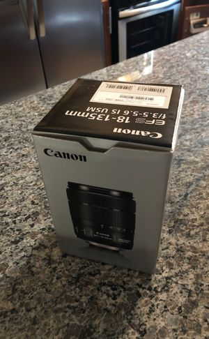 Canon camera efs 18-135mm lens for Sale in Southgate, MI