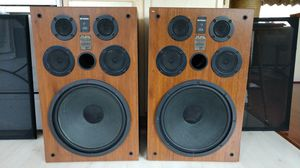 Large Fisher Stereo Speakers for Sale in Weirton, WV