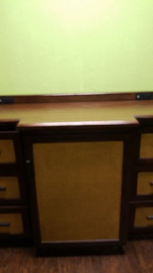 Master counter top with plug ports for Sale in Orlando, FL