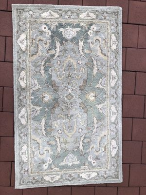 Pottery Barn Persian rug for Sale in East Hanover, NJ