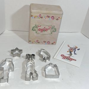 A Christmas Story Baking Tin Set Only missing red apron.. In great condition other than a few dents (pictured) and missing red apron. (Golden Whale for Sale in Sparks, NV
