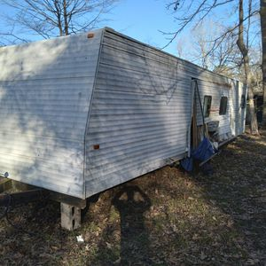 32' Camper Trailer( Not Livable)needs Work!! for Sale in New Caney, TX