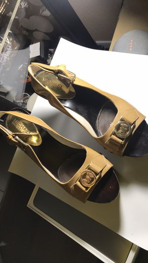 Michael kors shoes size 8 for Sale in Hialeah, FL