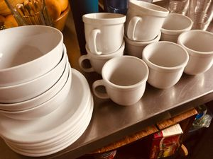 CorningWare. Plate/coffee mugs/ glasses set for Sale in West Hollywood, CA