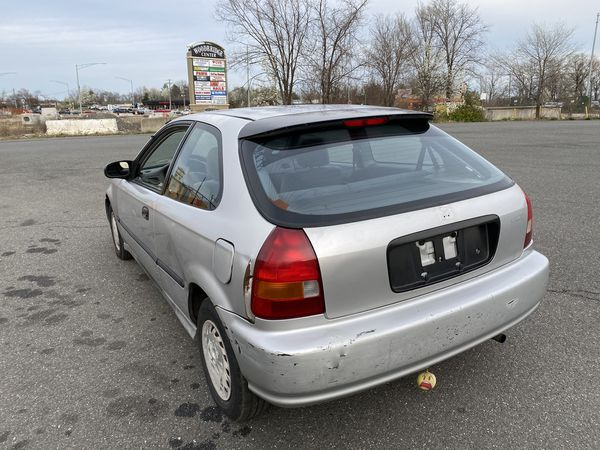 96 Honda Civic dx Good condition call {contact info removed}