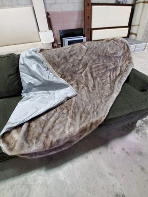 Faux fur throw (blanket) for Sale in Las Vegas, NV