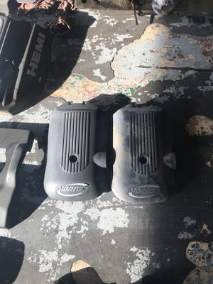 ENGINE COVERS CHEVY/MERCEDES/TOYOTA/CHRYSLER for Sale in Fresno, CA