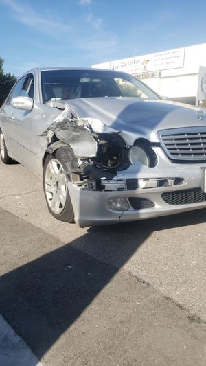 Mercedes Benz E320 for parts or to fix for Sale in Chula Vista, CA