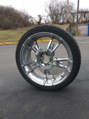 Set of 4 tires and 20' rims set of 4 together for Sale in Fort Wayne, IN