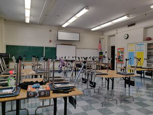 A Teacher Looking For Help for Sale in Los Angeles, CA