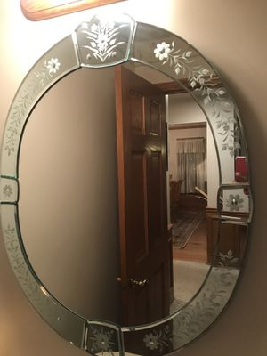 """Beautiful decor wall mirror 35"""" tall for Sale in Chicago, IL"""