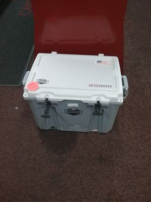 Cordova heavy duty cooler( inventory code 031-113-3838 5) for Sale in Sacramento, CA