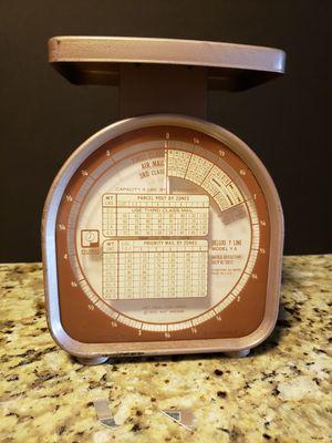 Vintage mail scale for Sale in Vinton, VA