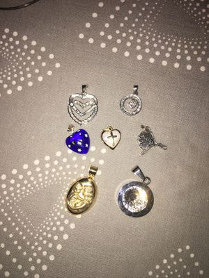 7 pendants for Sale in Springfield, VA