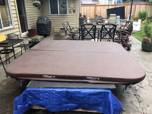 Hot tub spa cover brown 85x91 inches for Sale in Mukilteo, WA