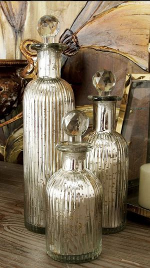 Home interior 2 vases grande y mediana for Sale in Compton, CA