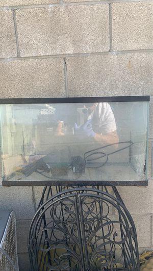 10 gal aquarium for Sale in Perris, CA