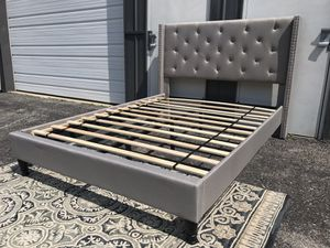New platform bed frame FULL $200 QUEEN $240 for Sale in Columbus, OH