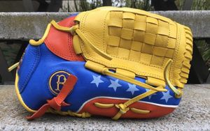 Custom Baseball/Softball Fielders Glove Wonder Woman for Sale in Santa Ana, CA