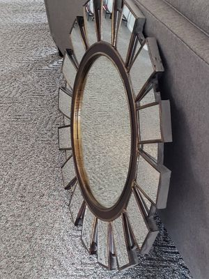 Large round glass mirror, 33 1/2 inches round for Sale in Sunrise Beach, MO