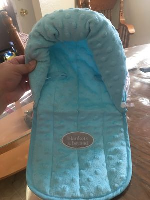 Infant Car seat head protection/ supports for Sale in San Diego, CA