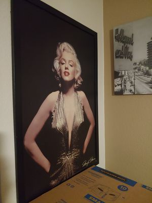 Marilyn Monroe Pictures and Blanket for Sale in Surprise, AZ