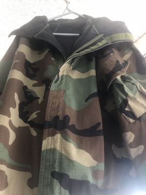 Real army coat xxl weather proof for Sale in Grand Rapids, MI