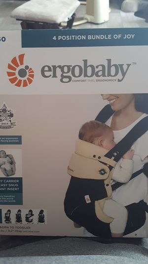 Ergobaby 360 baby carrier for Sale in Tampa, FL