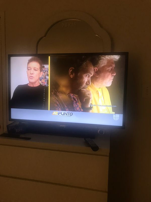 Tv Samsung 40 inches not smart tv