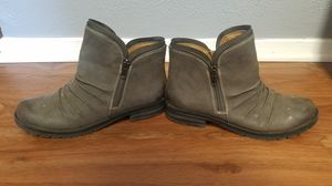Ladies boots for Sale in Arlington, TX