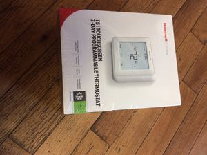 T5 Touchscreen Thermostat for Sale in Lilburn, GA