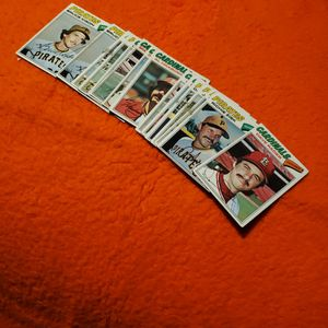 1977 Topps Babseball Cards, Mix Lot 13 Carda Total for Sale in West Covina, CA