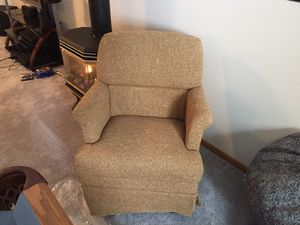 New small swivel chair. 25 cash. for Sale in Rochester, MN