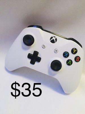 Xbox One Controller $35 for Sale in Los Angeles, CA