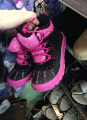 Girls Boots (8) for Sale in Reidsville, NC