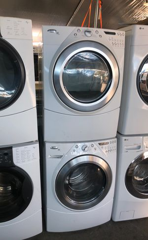 Whirlpool washer and gas dryer. Set for Sale in Los Angeles, CA