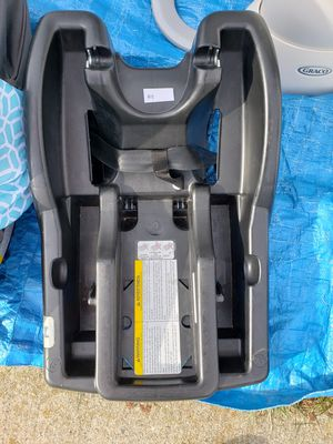 Graco baby carseat base for Sale in Springfield, MA